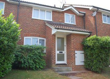 2 bed property to rent in Cumberland Way, Wokingham RG41