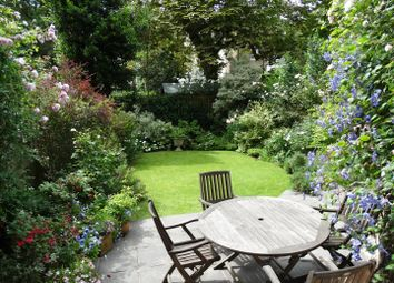 Thumbnail 3 bedroom flat for sale in Belsize Square, Belsize Park