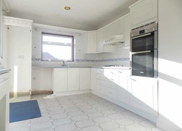 Thumbnail 3 bedroom detached house to rent in Silverdale Road, Bushey, Hertfordshire