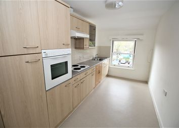2 bed flat for sale in Ladyplace Court, Market Square, Alton, Hampshire GU34