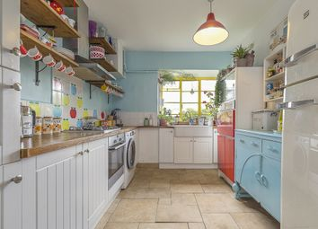 Thumbnail 2 bed flat for sale in Cedar Court, Colney Hatch Lane, Muswell Hill