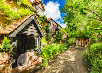 Thumbnail 2 bed cottage to rent in White Hart Cottage, Streatley On Thames