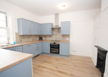 High Street, Royal Wootton Bassett, Wiltshire SN4. 2 bed flat
