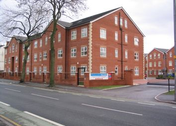 Thumbnail Room to rent in 208 Plymouth Grove, Victoria Park, Manchester