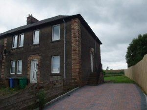 Thumbnail 2 bed flat to rent in Blamey Crescent, Cowdenbeath