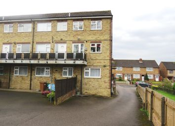 2 bed flat to rent in Cromwell Road, Ware SG12