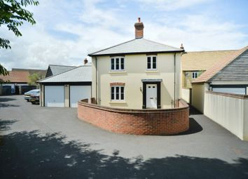 Chapel Street, Derry Hill, Calne SN11. 3 bed detached house