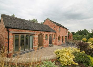 Thumbnail 2 bedroom barn conversion to rent in High Street, Castle Donington, Derby