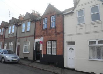 2 bed property to rent in Hampton Street, Northampton NN1