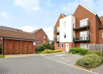 Thumbnail 2 bed flat for sale in Outfield Crescent, Wokingham, Berkshire