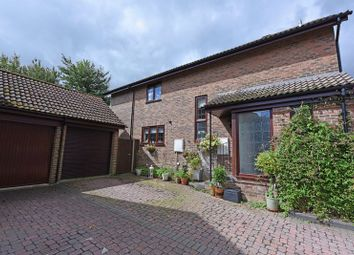 Thumbnail 4 bed detached house for sale in Ramptons Meadow, Tadley