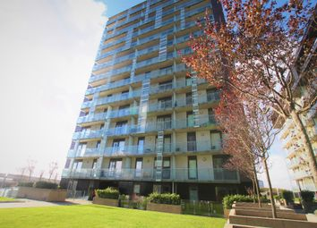 Thumbnail 1 bed flat to rent in Meadowside Quay Walk, Glasgow Harbour, Glasgow