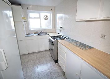 Thumbnail 3 bed property to rent in Fairfield Close, Radlett