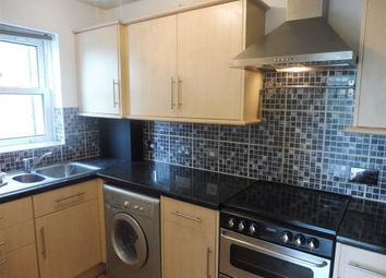 Thumbnail 2 bed flat to rent in Waterslade, Elm Road, Redhill