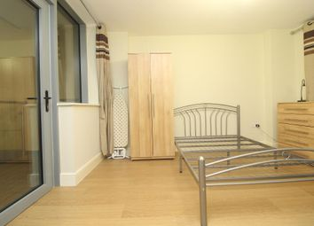 Thumbnail 1 bedroom terraced house to rent in East Street, London