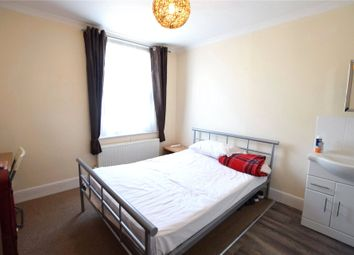 Room to rent in Basingstoke Road, Reading, Berkshire RG2