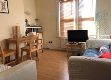 Thumbnail 2 bedroom flat to rent in Sandmere Road, Clapham North