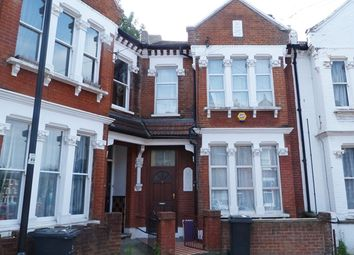 Thumbnail Room to rent in Hemberton Road, Clapham North, London