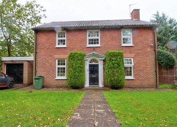 Hop Gardens, Henley-On-Thames RG9. 3 bed detached house