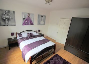 Thumbnail Room to rent in Grindal House, Darling Row, London