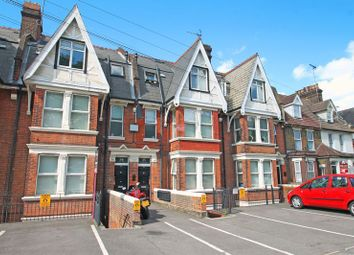 2 bed flat to rent in New Road, Rochester ME1