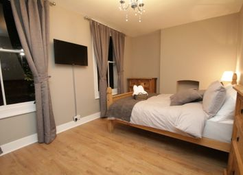6 bed shared accommodation to rent in Sidney Square, Whitechapel E1