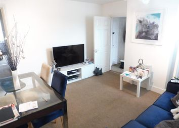 Thumbnail 2 bed flat to rent in South End, South Croydon