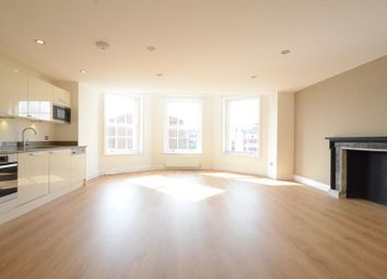 Thumbnail 2 bed flat to rent in Broad Street, Wokingham