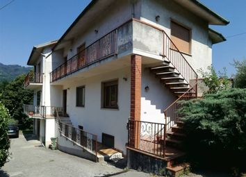 Thumbnail 4 bed apartment for sale in Borgo A Mozzano, Toscana, 046004, Italy