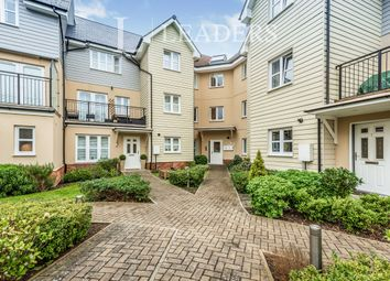 Thumbnail 2 bed flat to rent in Springfield Park Road, Horsham