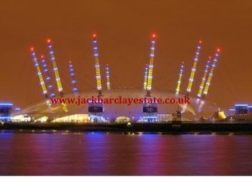 Thumbnail 1 bedroom flat to rent in Proton Tower, Blackwall Way, East India Quays, Virginia Quays, London