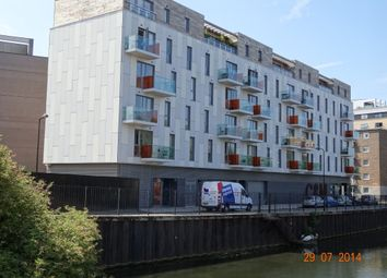 Thumbnail 1 bed flat to rent in Wiltshire Row, Hoxton, London