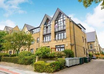 2 bed maisonette for sale in Hamilton Square, Sandringham Gardens, North Finchley, London N12