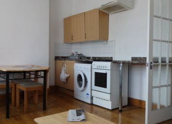 Thumbnail 2 bed flat to rent in Green St, London