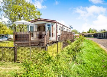 2 bed mobile/park home for sale in Brick Kiln Road, Hevingham, Norwich NR10