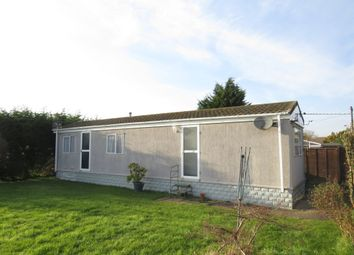 2 bed mobile/park home for sale in St Marys Court, Weald, Bampton OX18