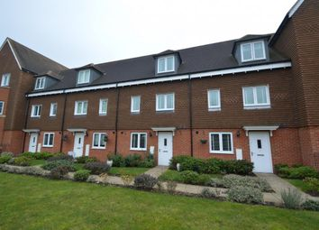Thumbnail 3 bed town house for sale in Outfield Crescent, Wokingham