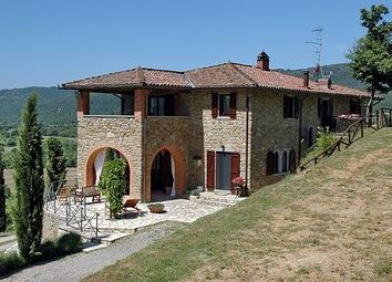 Thumbnail 4 bed villa for sale in Lake Trasimeno, Umbria, Italy