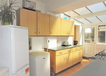 Thumbnail Room to rent in Braywick Road, Maidenhead