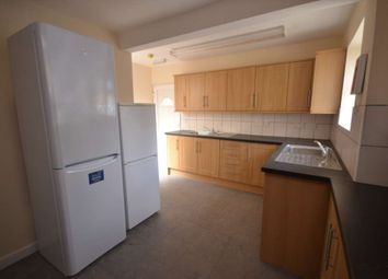 Thumbnail 8 bedroom semi-detached house to rent in Basingstoke Road, Reading