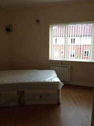 Thumbnail Studio to rent in Woodfield Road, Balby, Doncaster
