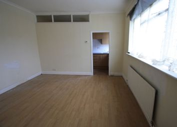 Thumbnail 1 bed flat to rent in Fairmile Avenue, Streatham