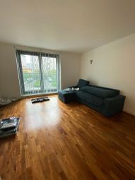 Thumbnail 1 bed flat to rent in New Providence Wharf, 1 Fairmount Avenue, Blackwall, Canary Wharf, London