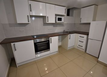 2 bed flat to rent in Clyde Court, Erskine Street, Leicester LE1
