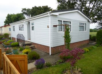 Thumbnail 2 bedroom mobile/park home for sale in Jasmine Way, Crookham Park, Thatcham, Berkshire
