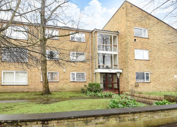 Thumbnail 2 bed flat for sale in East Sheen, London