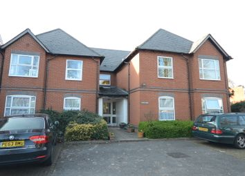 Thumbnail 2 bed flat to rent in Coley Avenue, Reading