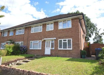 Reynolds Avenue, Chessington, Surrey. KT9. 2 bed maisonette