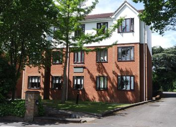 Thumbnail 2 bedroom flat for sale in Lyonsdown Road, New Barnet, Barnet