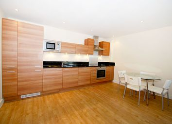 Thumbnail 2 bedroom flat to rent in Merchants Place, Reading
